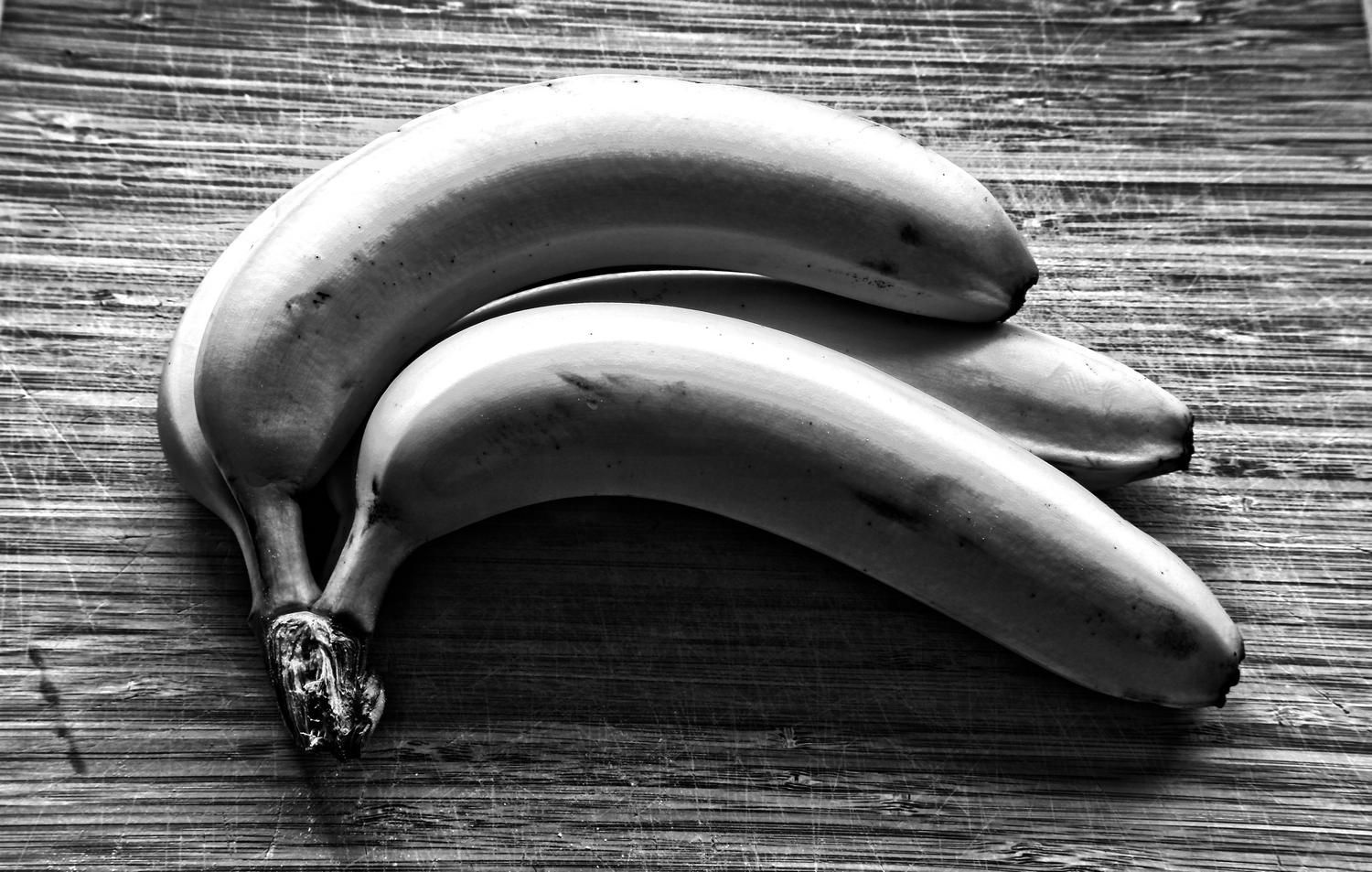 - Tough, urban bananas -  - taken with Sony DSC-R1 - Tony Karp, design, art, photography, techno-impressionist, techno-impressionism, aerial photography , drone , drones , dji , mavic pro , video , 3D printing - Books -
