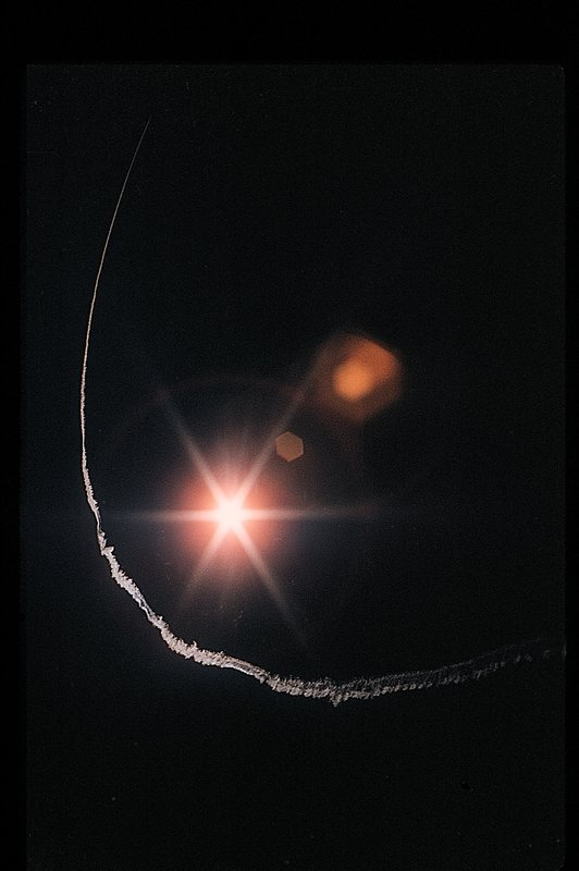 - Contrail around the sun - San Francisco - 1960 - Kodachrome - Tony Karp, design, art, photography, techno-impressionist, techno-impressionism, aerial photography , drone , drones , dji , mavic pro , video , 3D printing - Books -