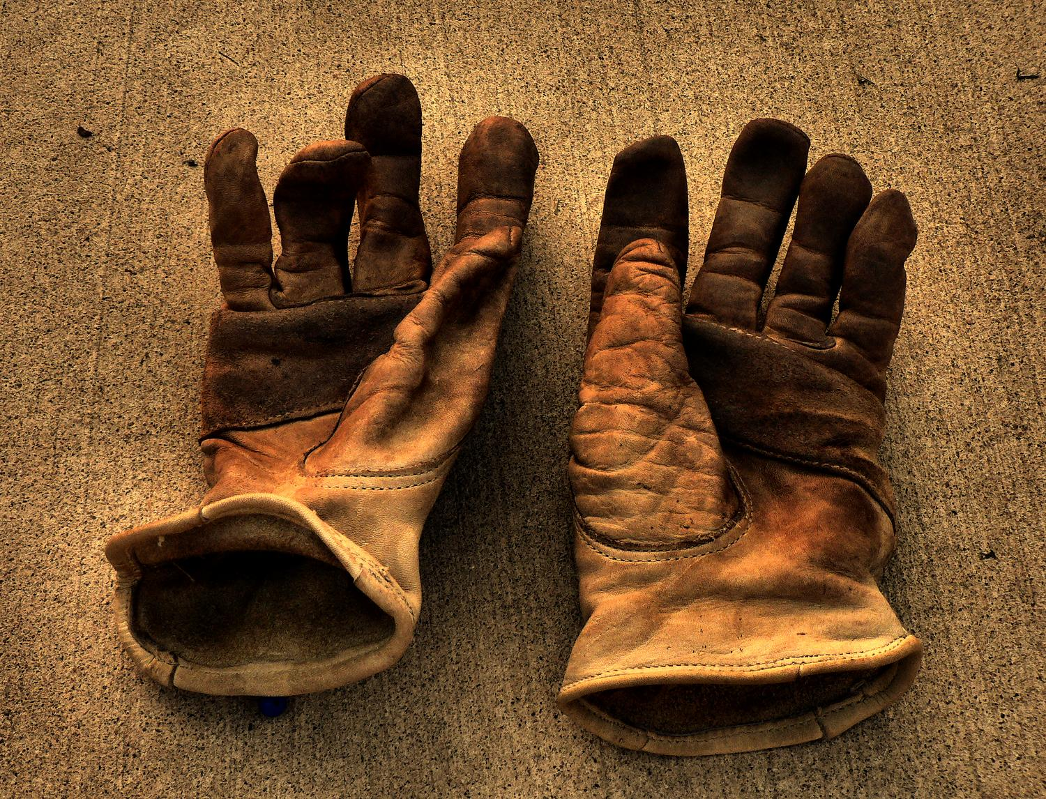 The Hobbitt's work  gloves - the gloves of the artist's muse - Photography can be hard work, but it should also be fun - Tony Karp, design, art, photography, techno-impressionist, techno-impressionism, aerial photography , drone , drones , dji , mavic pro , video , 3D printing - Books -