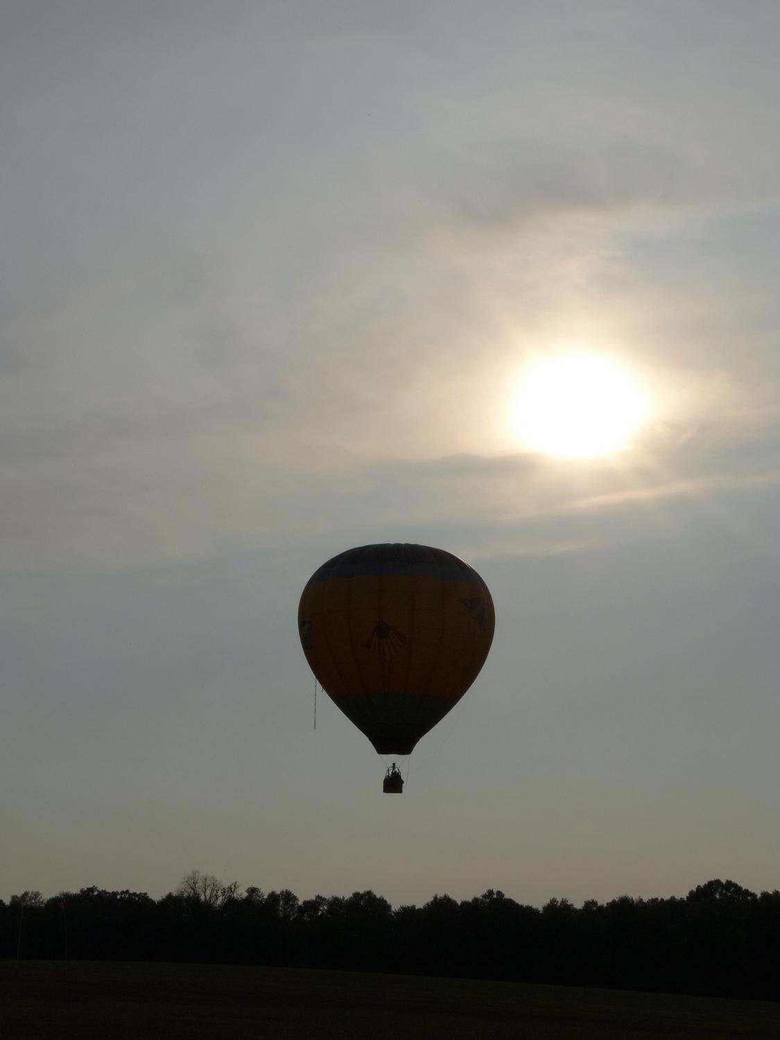 hot air balloon taking off into the sun - Taking off into the sun. - Panasonic DMC-FZ28 -- At the Flying Circus - Bealton Virginia - Tony Karp, design, art, photography, techno-impressionist, techno-impressionism, aerial photography , drone , drones , dji , mavic pro , video , 3D printing - Books -