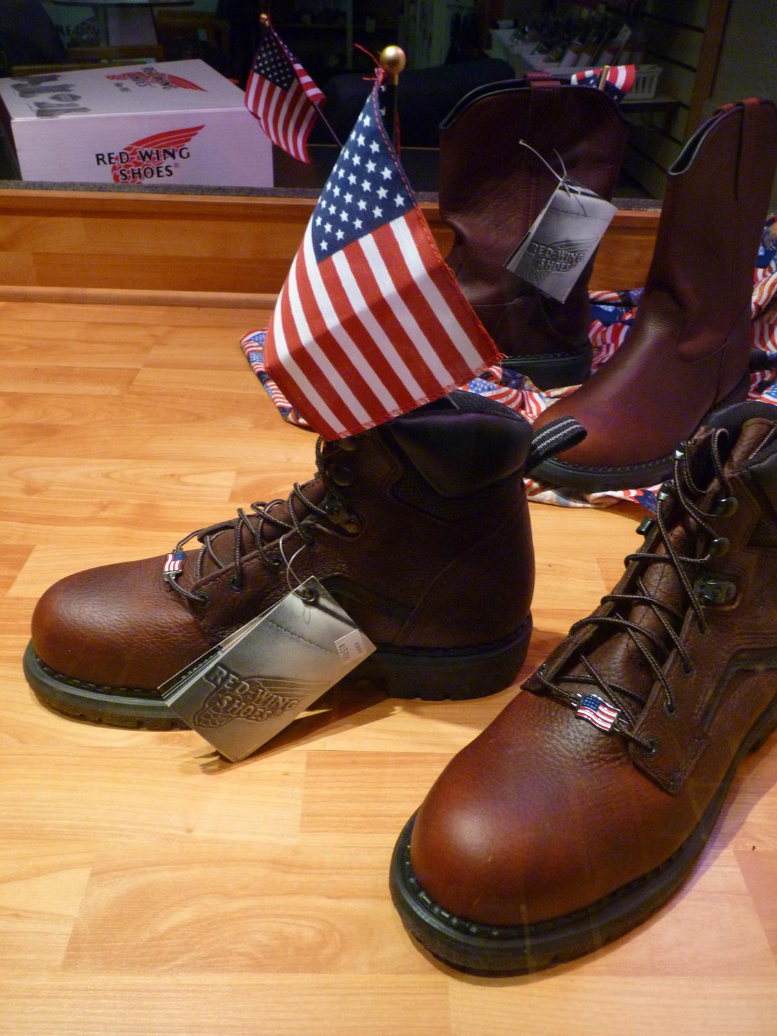 Warrenton - Patriotic, made in America shoes. I wonder where the flags are made. - Panasonic DMC-FZ35 - Tony Karp, design, art, photography, techno-impressionist, techno-impressionism, aerial photography , drone , drones , dji , mavic pro , video , 3D printing - Books -