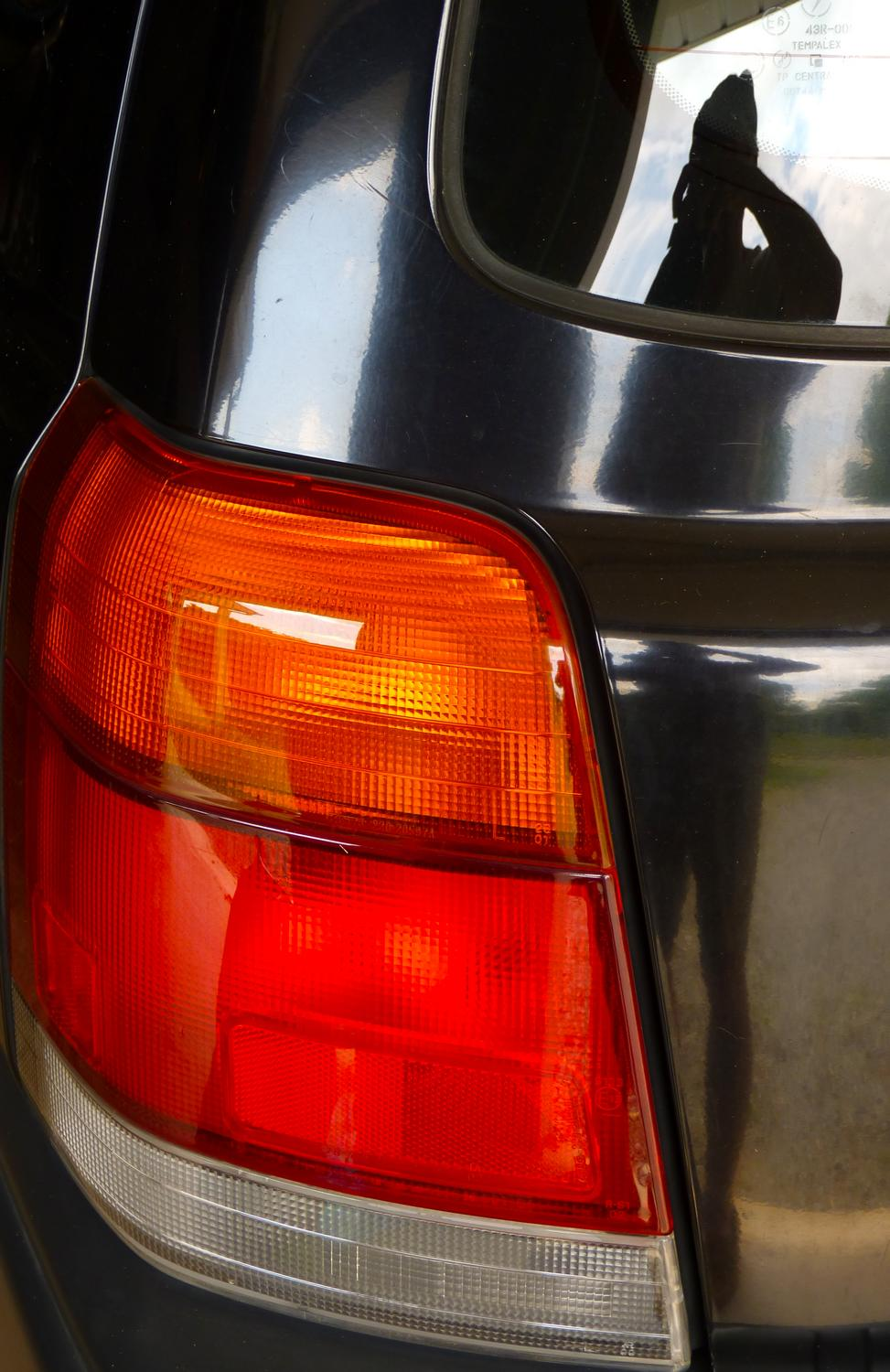 taillight of a Subaru forester - Self-portrait of the artist as a young taillight. - Panasonic DMC-FZ35 - Tony Karp, design, art, photography, techno-impressionist, techno-impressionism, aerial photography , drone , drones , dji , mavic pro , video , 3D printing - Books -