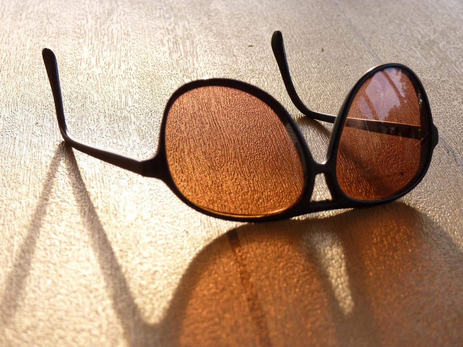 - Sunglasses in a summer light <br>--- Click to see ORIGINAL --- - - Sunglasses - Panasonic DMC-fz35 - summer - Tony Karp, design, art, photography, techno-impressionist, techno-impressionism, aerial photography , drone , drones , dji , mavic pro , video , 3D printing - Books -