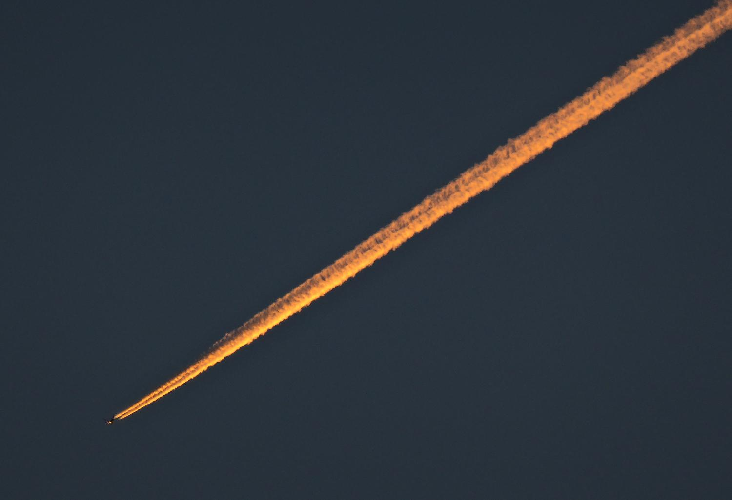 - Contrail at sunset.  - Panasonic DMC-ZS40 - Panasonic DMC-TZ60 - - Tony Karp, design, art, photography, techno-impressionist, techno-impressionism, aerial photography , drone , drones , dji , mavic pro , video , 3D printing - Books -